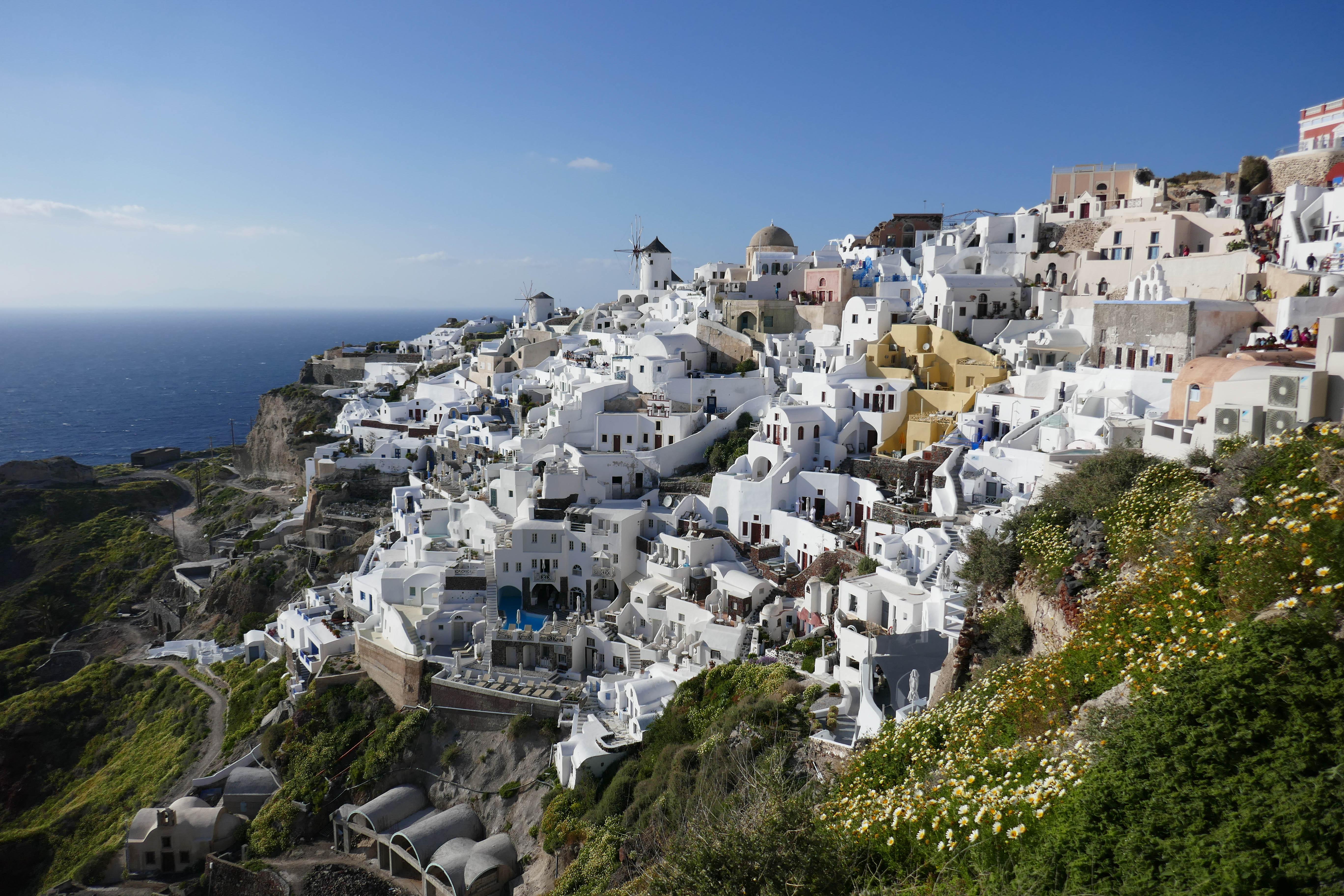 Oia. Santorin, voyage en famille, archipel des Cyclades, île de Santorin. blog