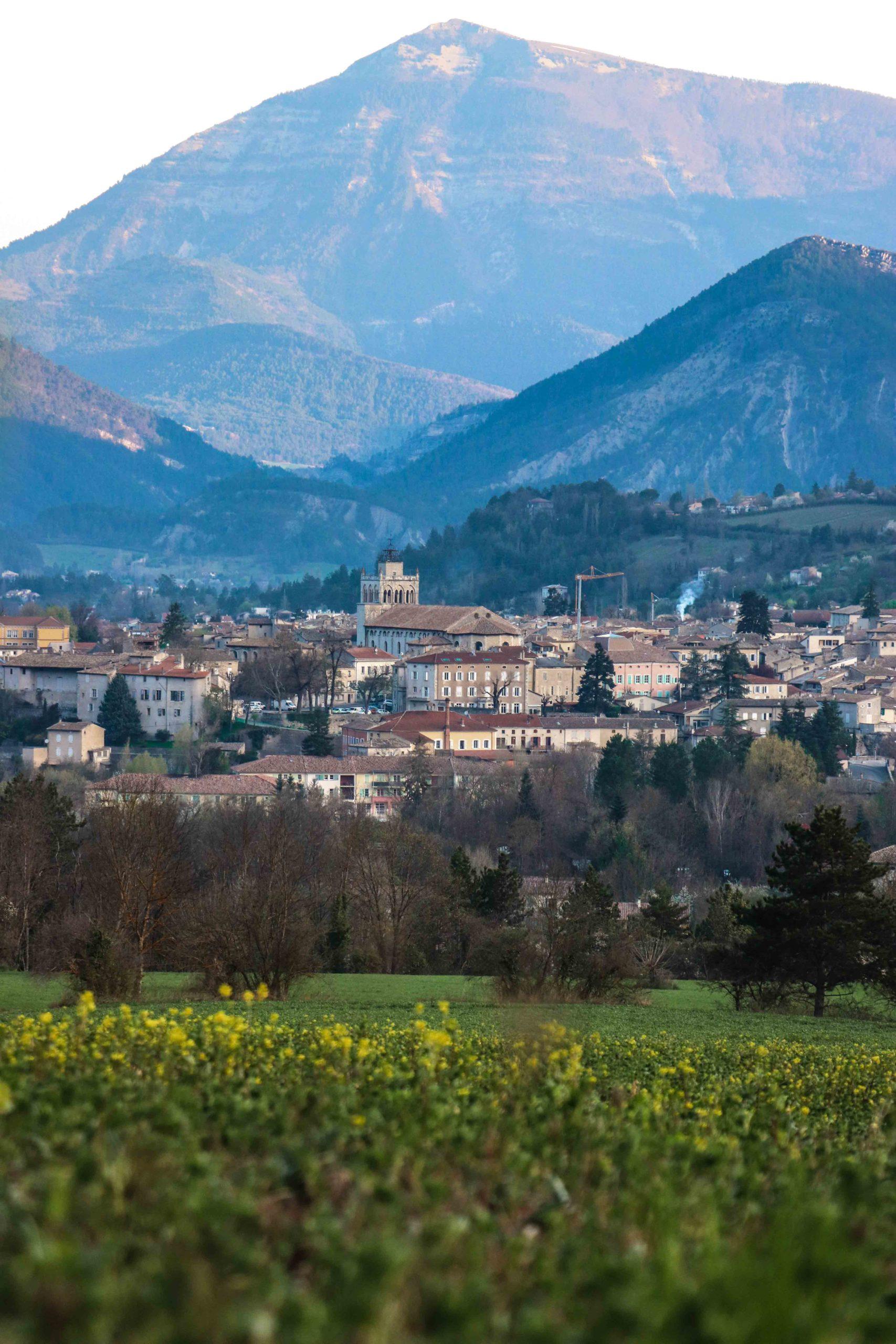 Pays Diois Drôme Die vue sur le Vercors