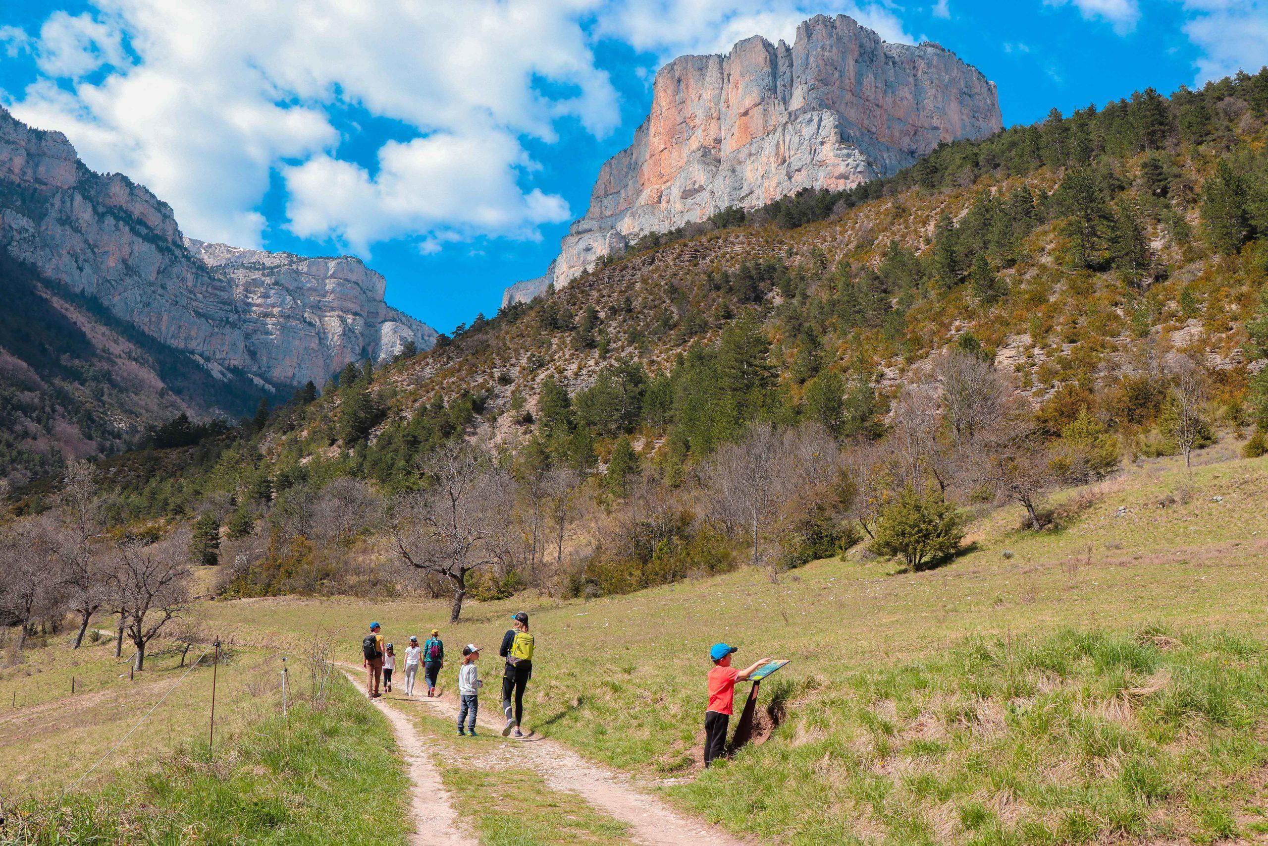 Archiane blog famille week-end vacances Cirque d'Archiane Drôme sentier des vautours