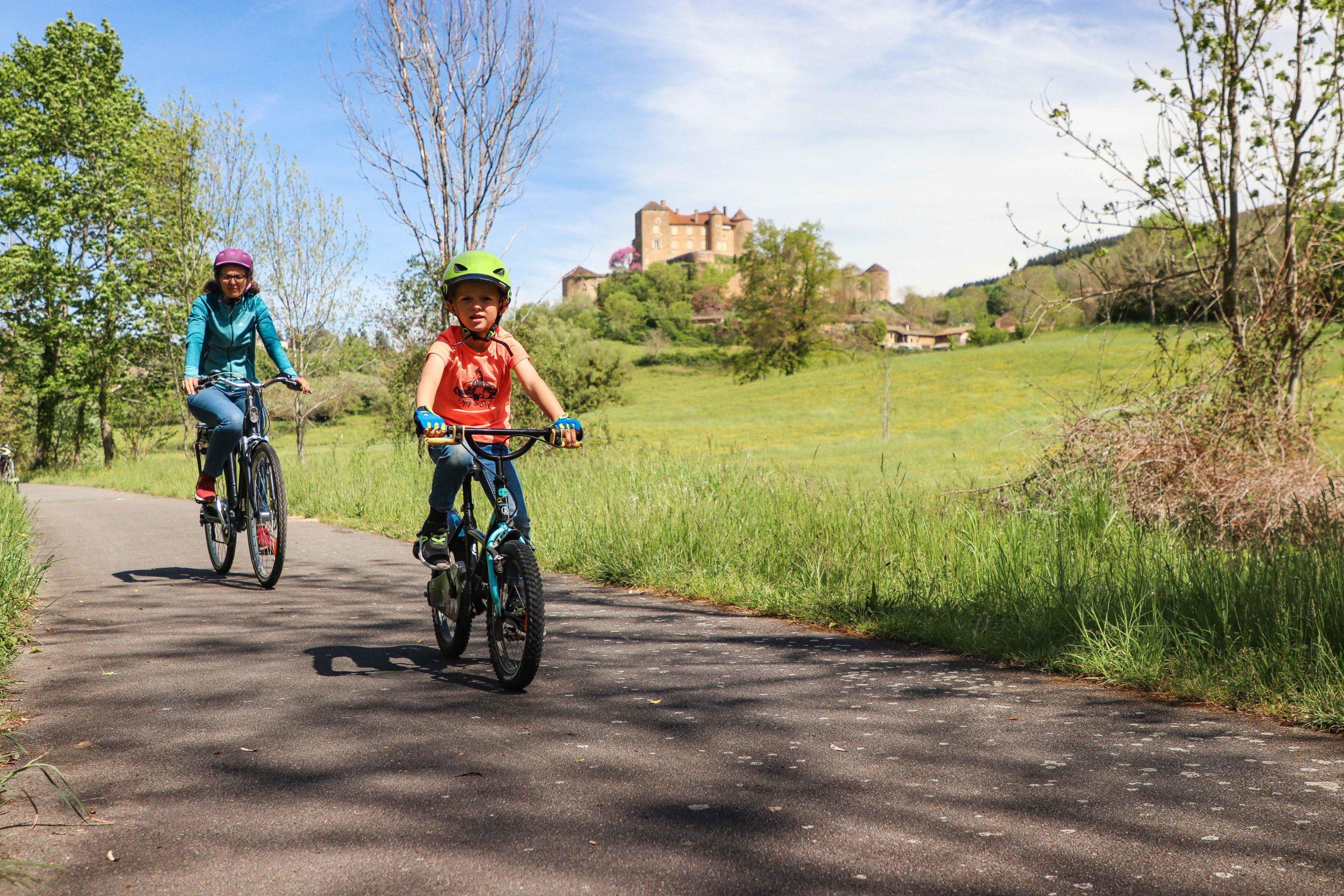 Voie verte - vélo famille - Saône-et-Loire - Berzé-le-Châtel