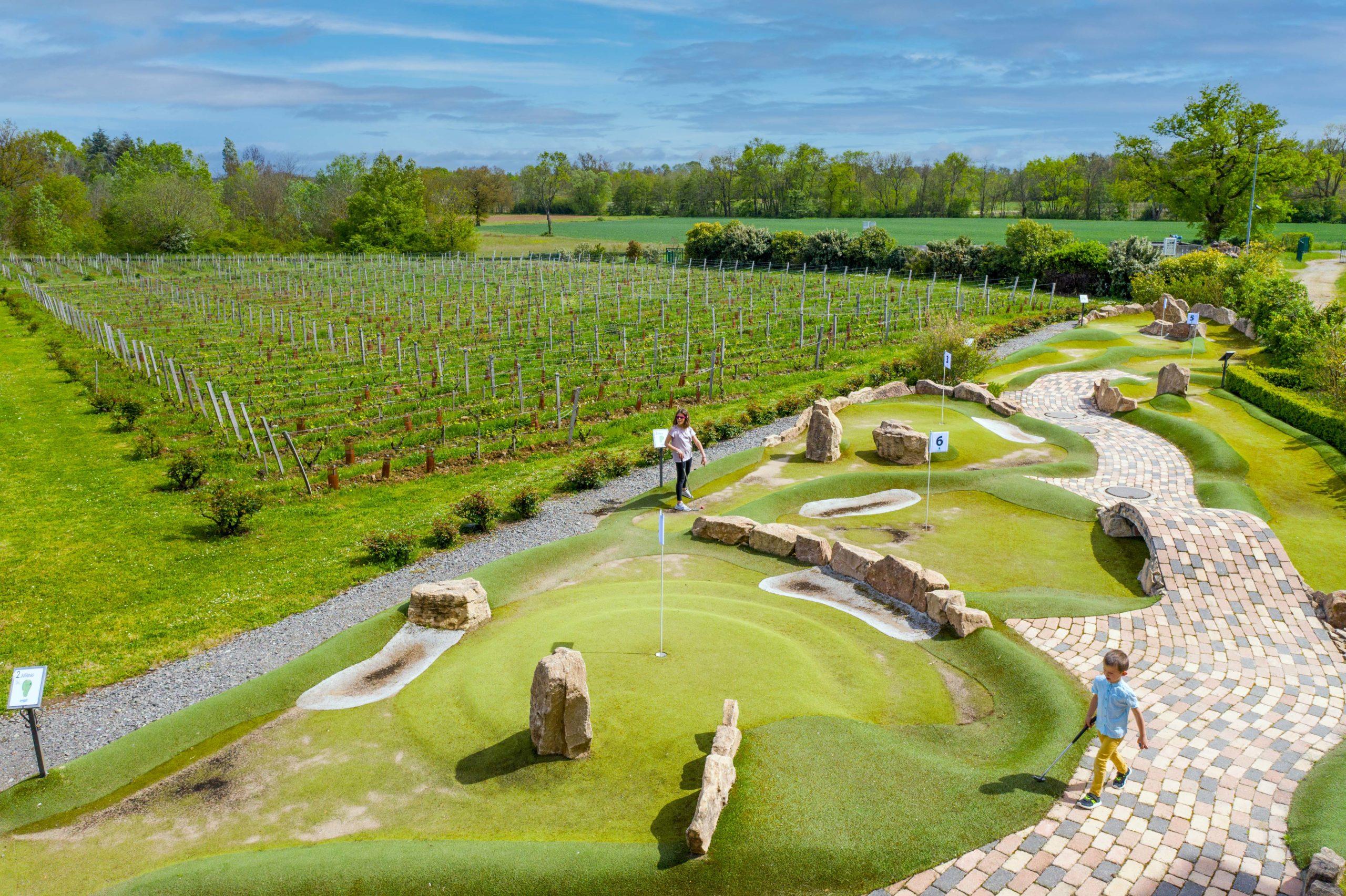 Adventure Golf en famille - Hameau Duboeuf - Saone-et Loire en famille - De Beaux Lents Demains